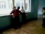 Малй в школе в бутсах с шипами!)